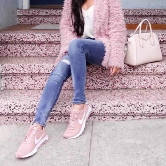 Nike Shoes | Nike Air Max Motion Lw